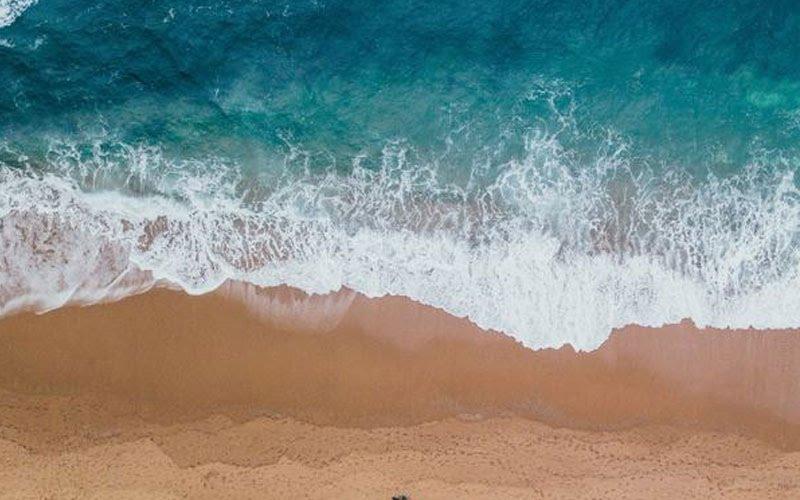 Nằm mơ thấy cát và nước