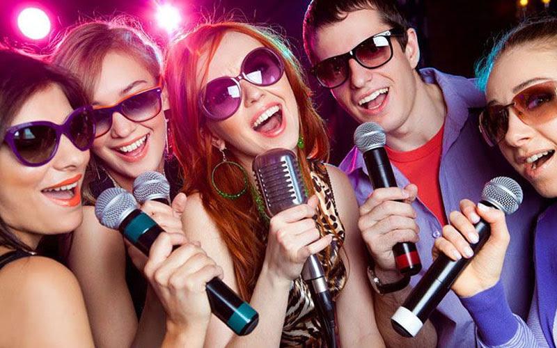 Ngủ mơ thấy ca hát karaoke