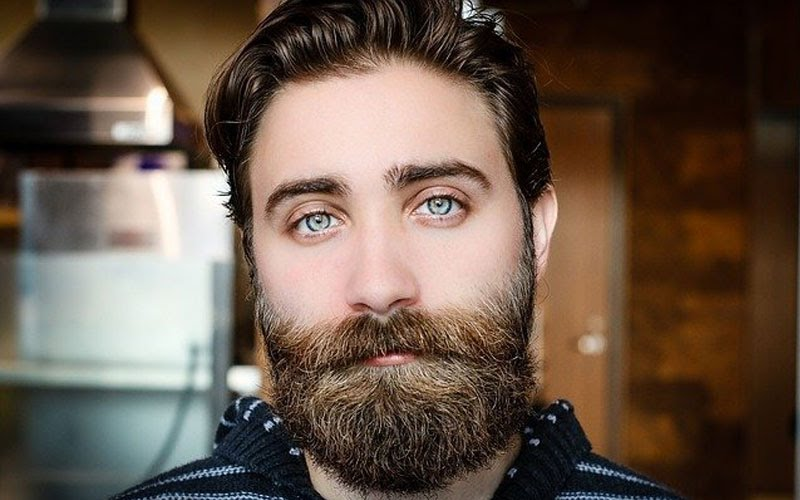 Đàn ông nằm mơ thấy râu mọc dài tốt hay xấu