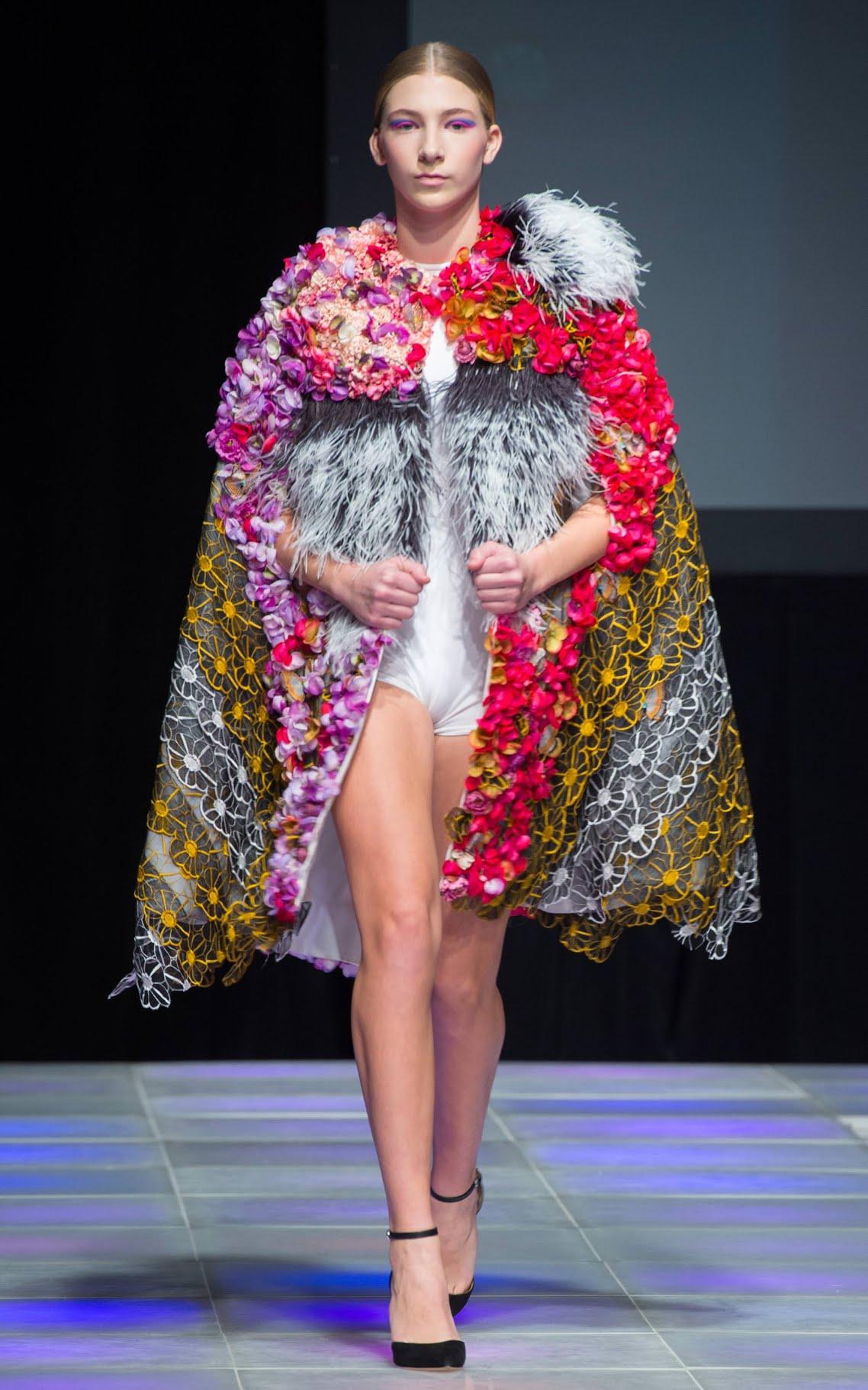 Valentines Vân Nguyễnvới bộ sưu tập All About Haute gây chấn động làng thời trang New York